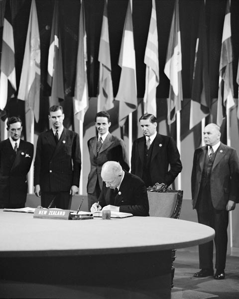 Peter Fraser signing the UN Charter, 26 June 1945