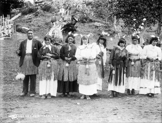 Parihaka-poi-dancers